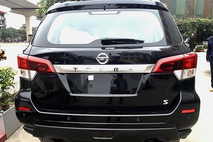 Với giá 988 triệu đồng, Nissan Terra 2019 bản MT bị cắt giảm những gì? a8