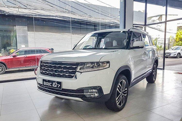 Loạt ô tô Trung Quốc bày bán tại Sài Gòn: Vừa rẻ, vừa sang, chỉ lăn tăn chất lượng a8