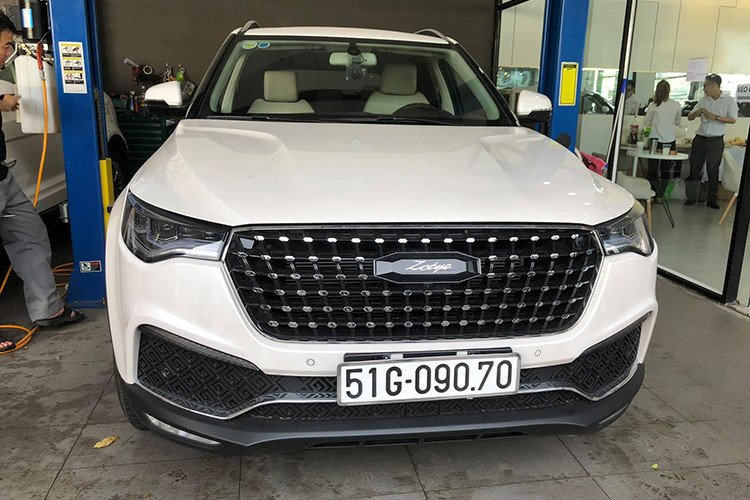Loạt ô tô Trung Quốc bày bán tại Sài Gòn: Vừa rẻ, vừa sang, chỉ lăn tăn chất lượng a7
