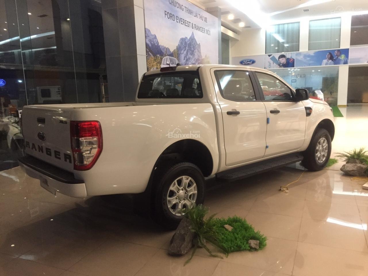 Đại lý bán xe Ford Ranger XLS 4X2 MT 2018, giá tốt nhất, giao xe ngay. Hỗ trợ trả góp 90%-3