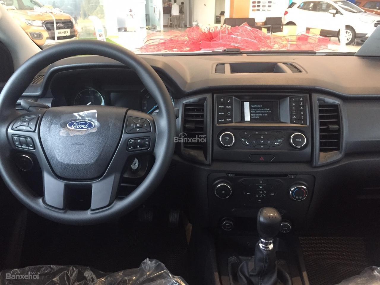 Đại lý bán xe Ford Ranger XLS 4X2 MT 2018, giá tốt nhất, giao xe ngay. Hỗ trợ trả góp 90%-7
