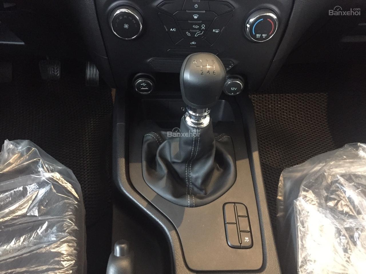 Đại lý bán xe Ford Ranger XLS 4X2 MT 2018, giá tốt nhất, giao xe ngay. Hỗ trợ trả góp 90%-8