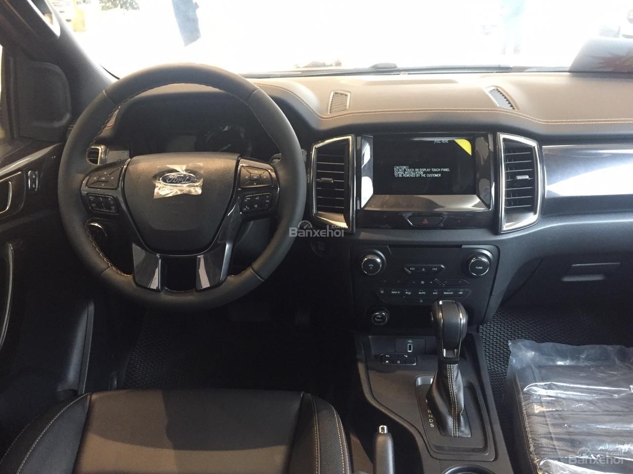 Đại lý bán xe Ford Ranger XLS 4X2 MT 2018, giá tốt nhất, giao xe ngay. Hỗ trợ trả góp 90%-9
