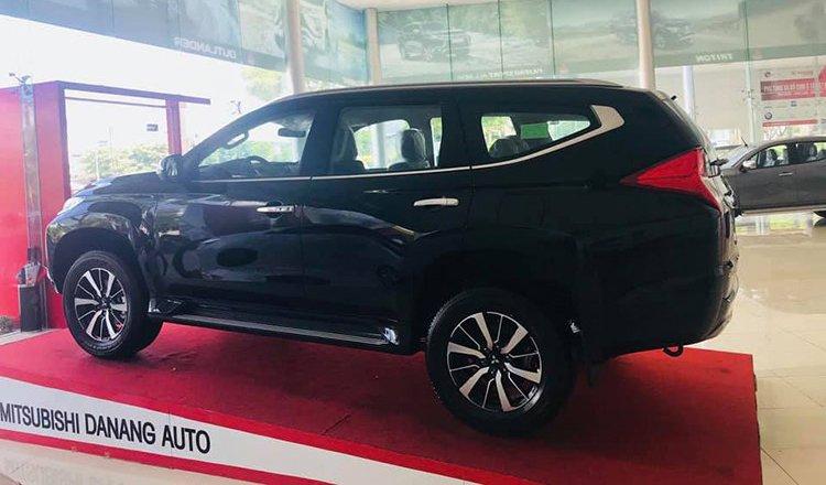 Mitsubishi Pajero Sport 4x2 MT 2019 giá rẻ mới xuất hiện tại đại lý ở Hà Nội - Ảnh 6.