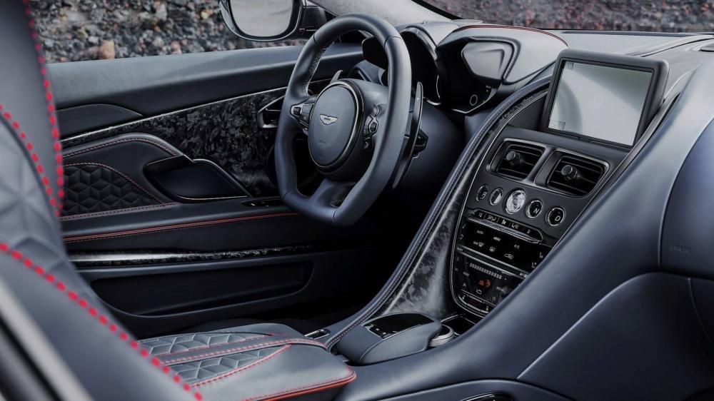 Aston Martin DBS Superleggera 2018 4