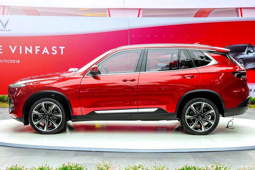 Nissan Terra V 2019 và VinFast LUX SA2.0 cao cấp 2019 về thân xe 2