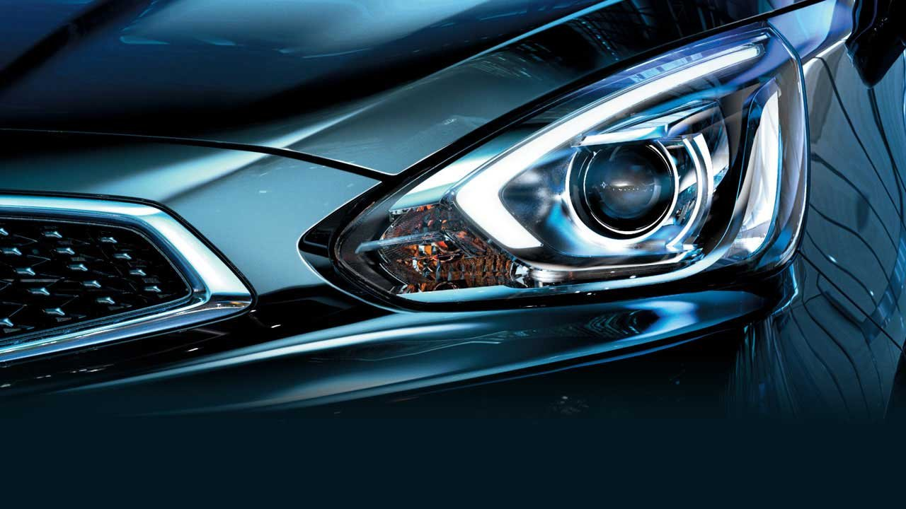 Đánh giá xe Mitsubishi Mirage 2019 CVT: Đèn pha HID dạng thấu kính 1
