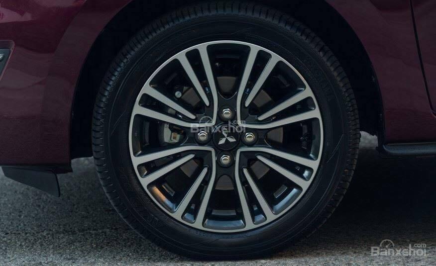 Đánh giá xe Mitsubishi Mirage 2019 CVT: Mâm bánh xe hợp kim 2 tông màu 1