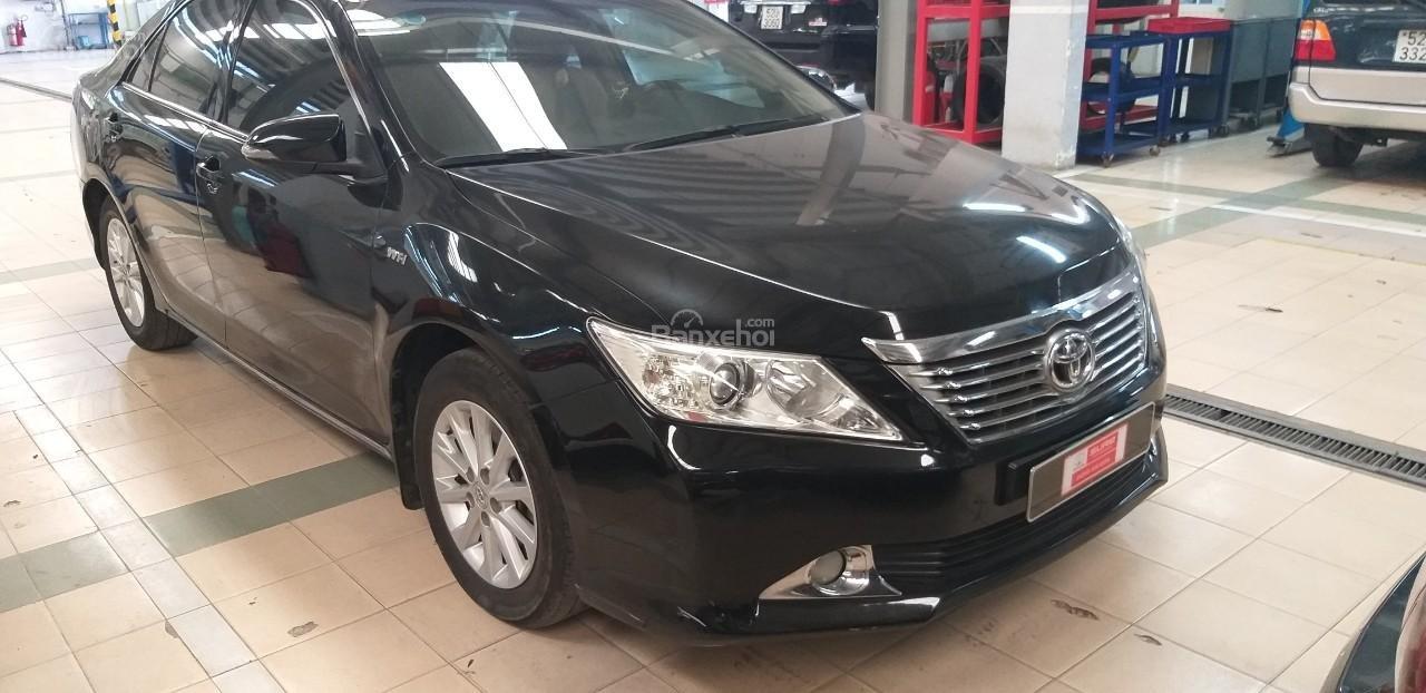Bán Toyota Camry 2.0E đời 2012, màu đen giá thương lượng khi xem mua xe-1