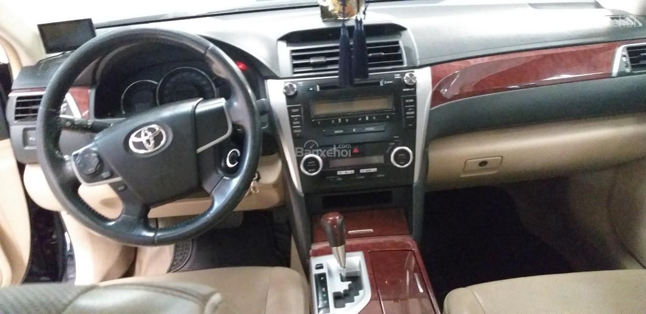 Bán Toyota Camry 2.0E đời 2012, màu đen giá thương lượng khi xem mua xe-3