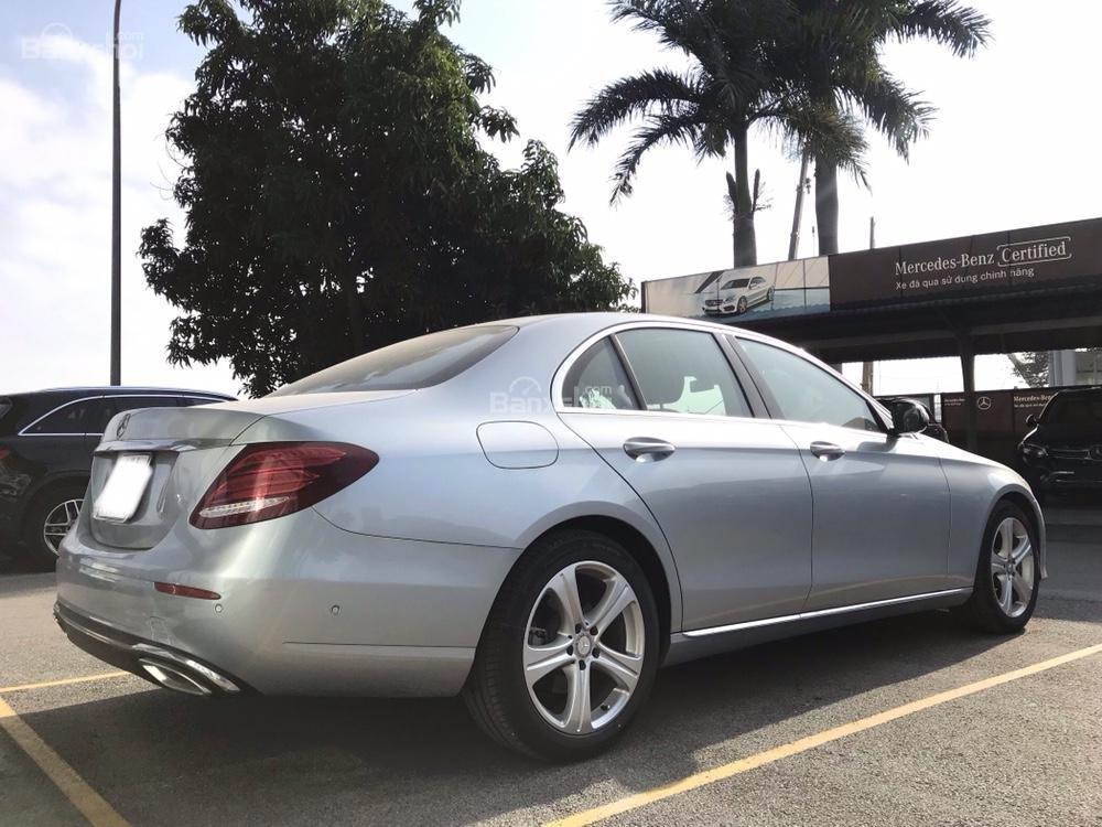 Bán xe Mercedes E250 đời 2018, màu xanh ngọc-1