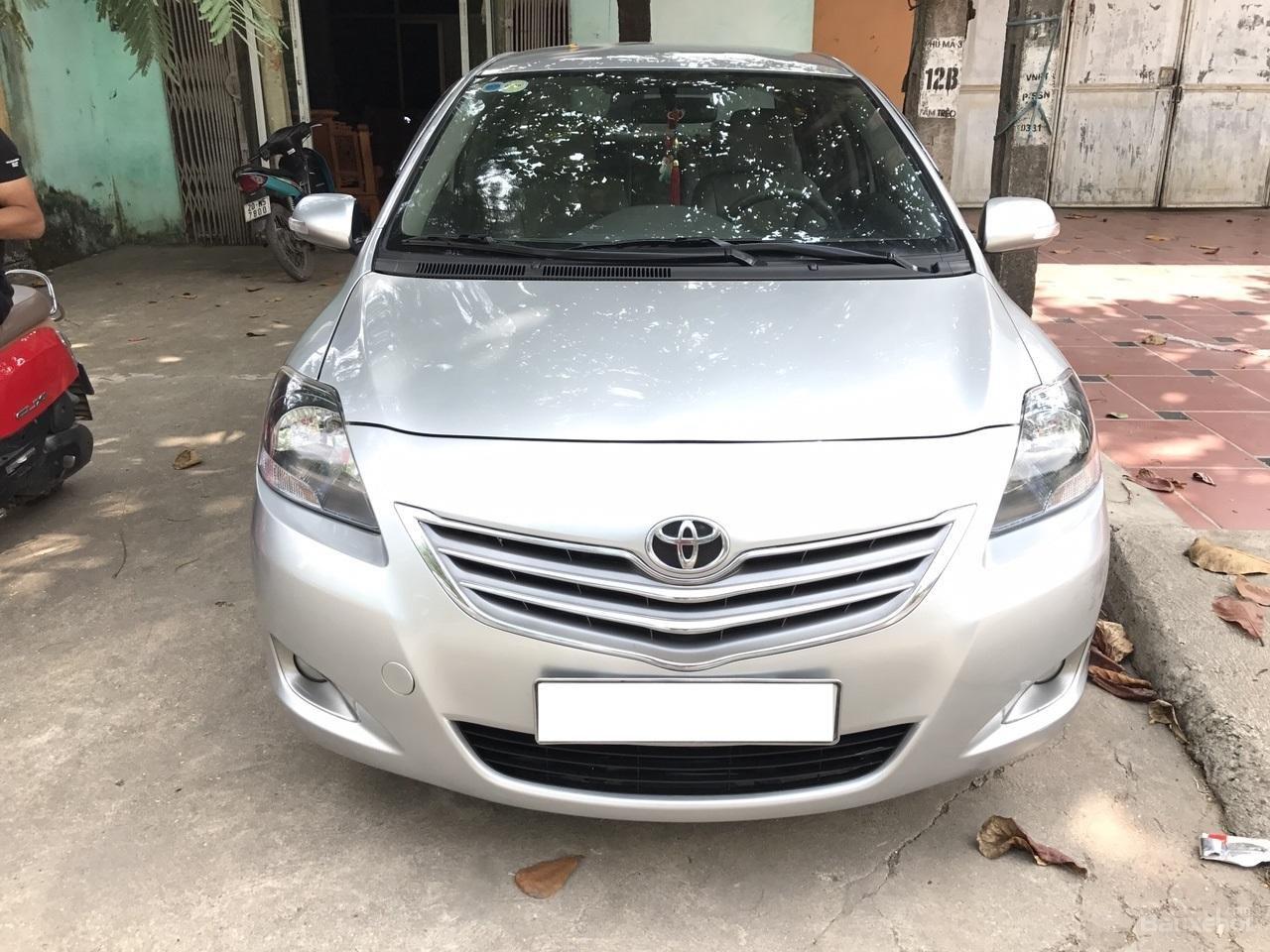 Bán Toyota Vios 1.5 E sản xuất năm 2013, màu bạc, xe cực đẹp-0