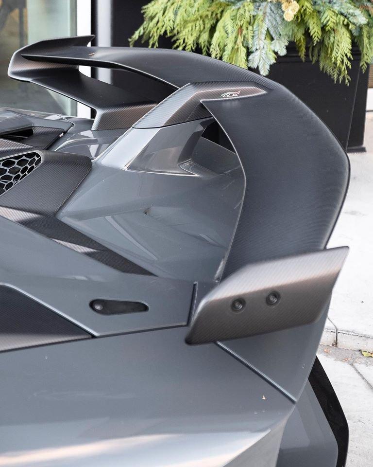 Canada đón nhận chiếc Lamborghini Aventador SVJ đầu tiên a9