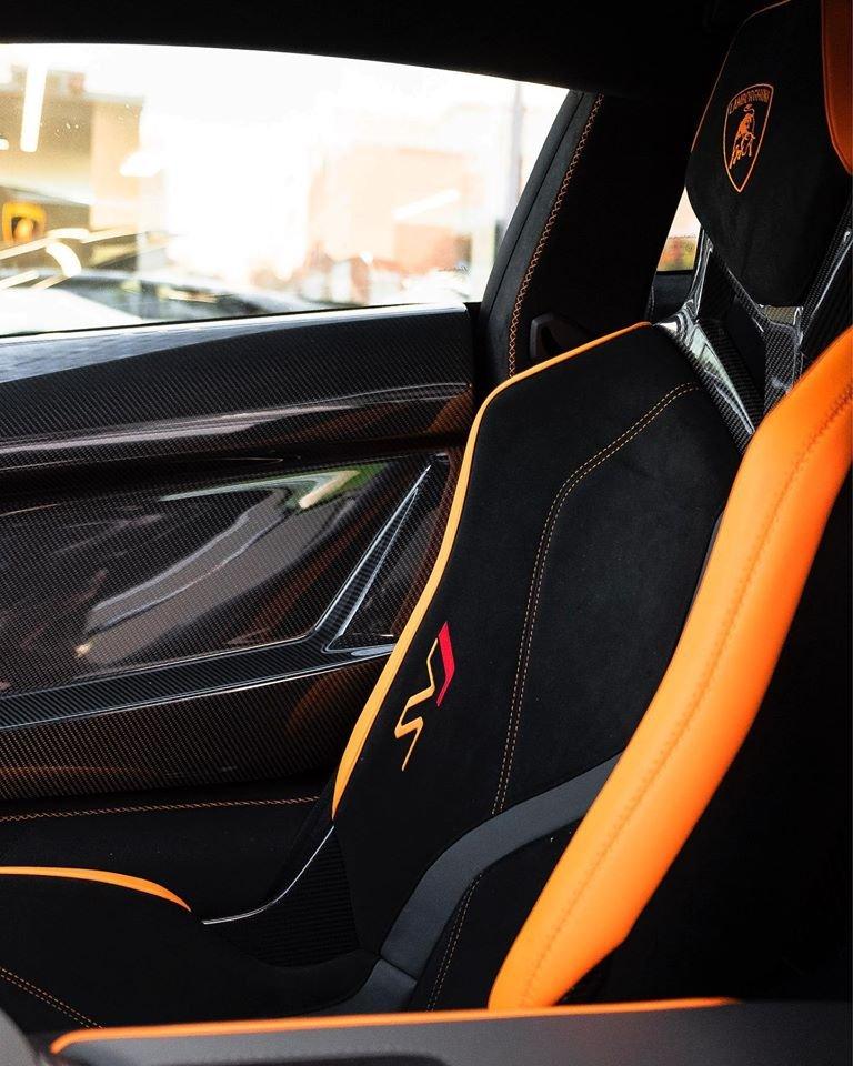Canada đón nhận chiếc Lamborghini Aventador SVJ đầu tiên a3