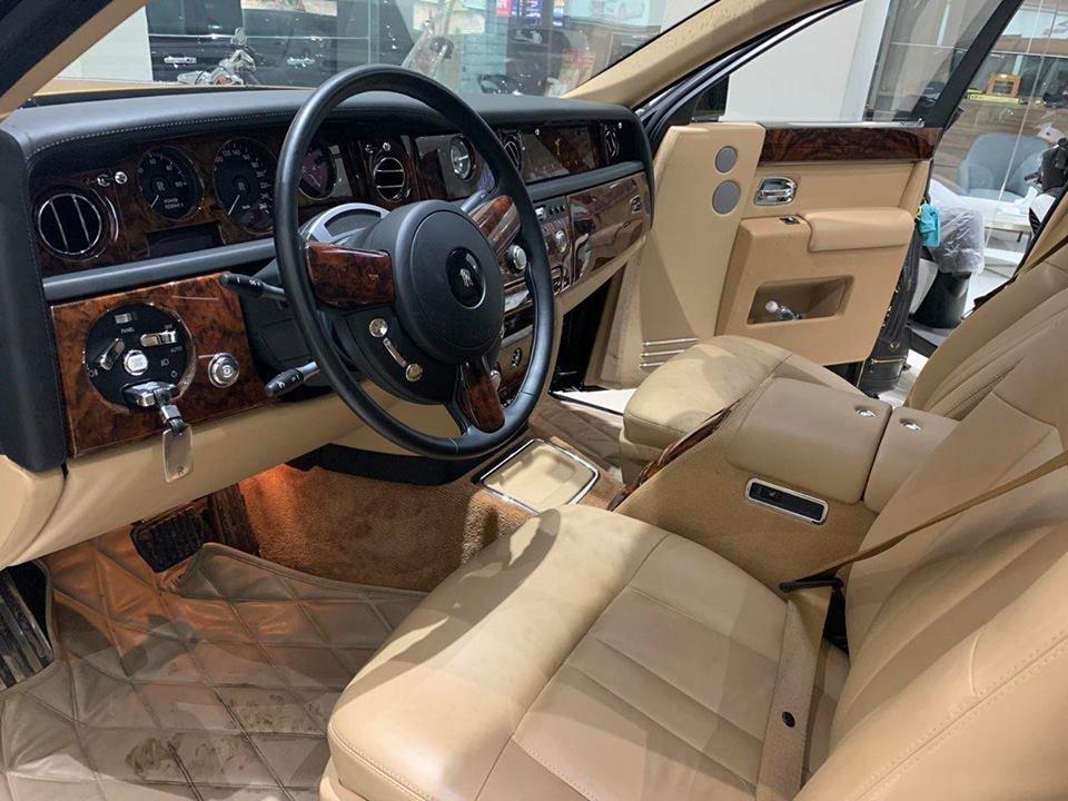 Rolls-Royce Phantom Series II màu hiếm đang rao bán tại Sài Gòn a4