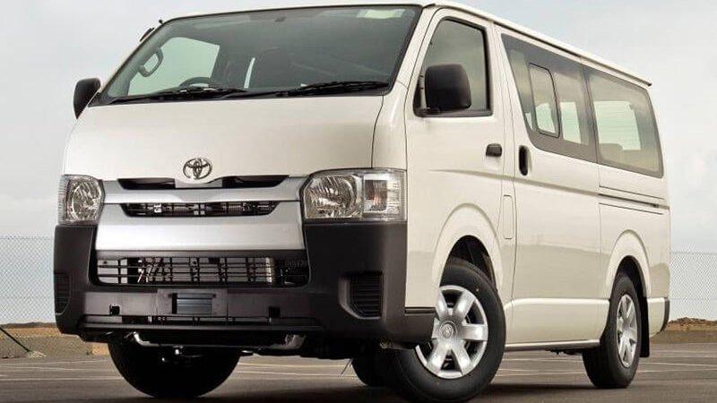 So sánh xe Hyundai Solati và Toyota Hiace: Xe công ty và xe dịch vụ 3