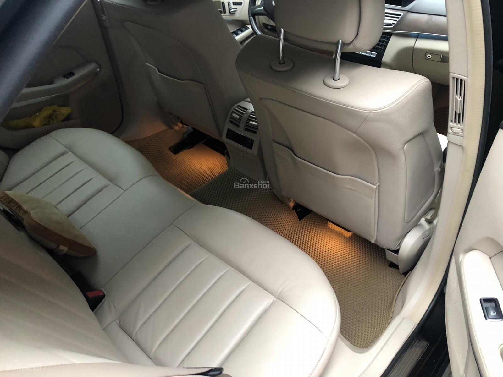 Bán Mercedes E200 sản xuất 2015, màu đen, xe đã qua sử dụng, biển Hà Nội (7)