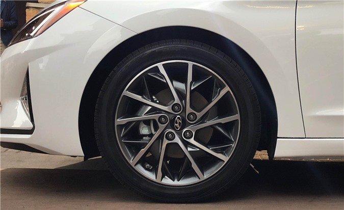 Ảnh thực tế Hyundai Elantra 2019, chuẩn bị về Việt Nam a3