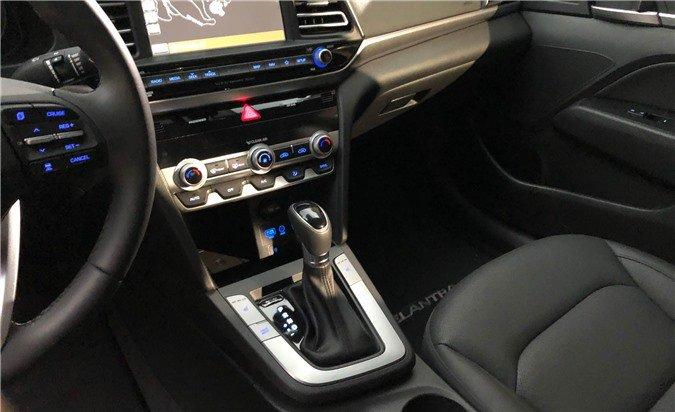 Ảnh thực tế Hyundai Elantra 2019, chuẩn bị về Việt Nam a12