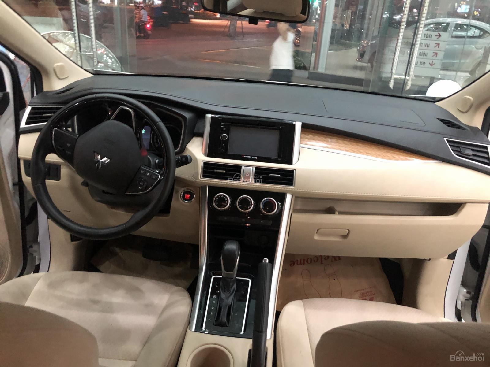[Siêu Hot] Mitsubishi Xpander nhập nguyên chiếc từ Indo, động cơ 1.5, kinh doanh tốt. LH: 0905.91.01.99-9