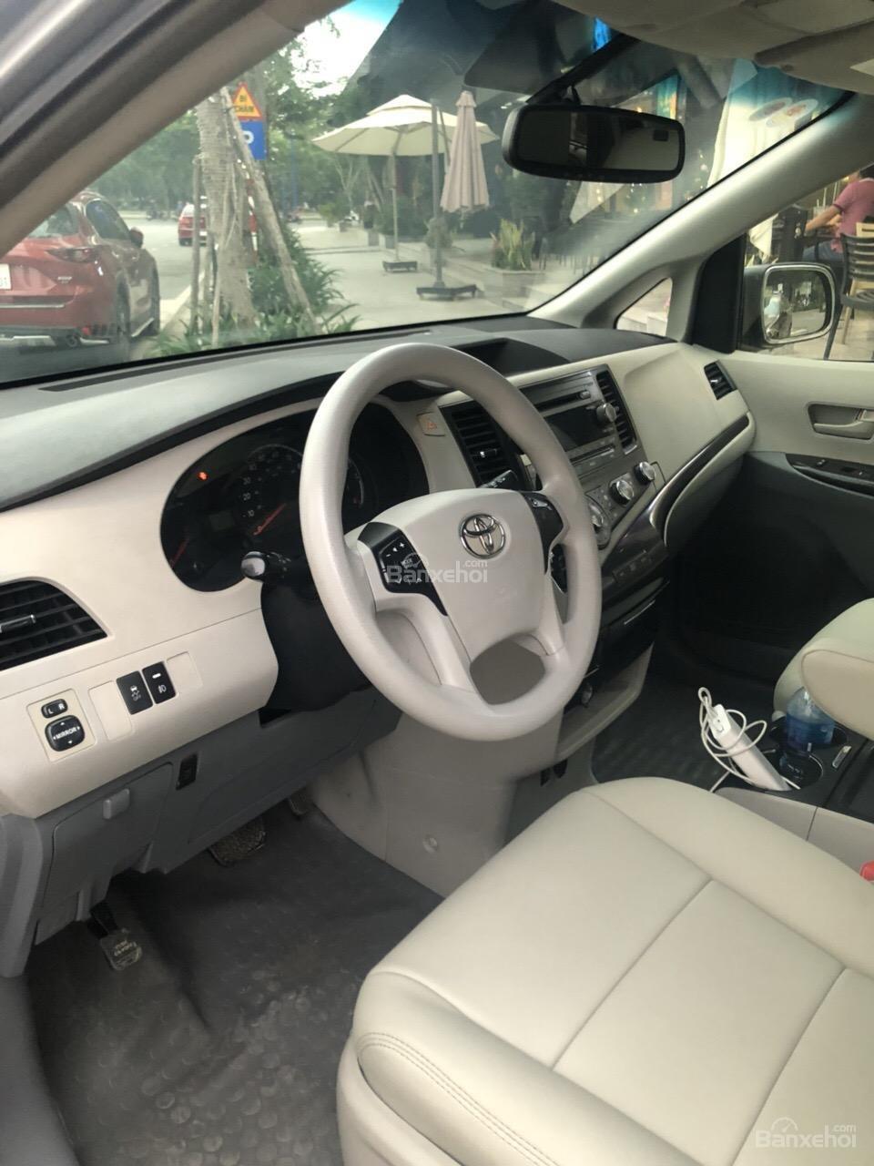 Bán Toyota Sienna LE năm 2011, màu xám (ghi), xe nhập-2