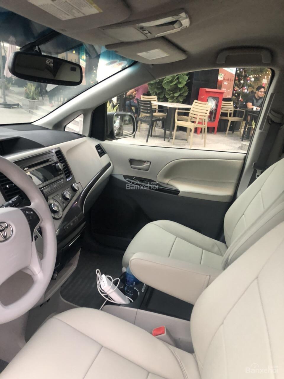 Bán Toyota Sienna LE năm 2011, màu xám (ghi), xe nhập-6