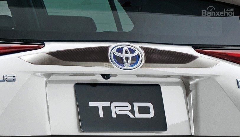 Toyota Prius TRD 2019 ảnh 09