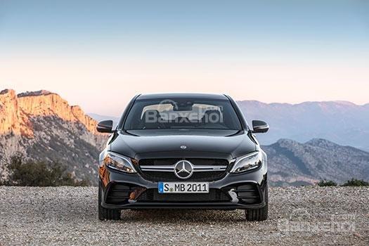 Mercedes-Benz đứng đầu về số vụ triệu hồi ô tô năm 2018 - 1