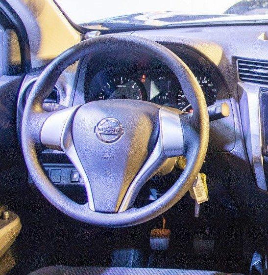 Ảnh chụp vô-lăng xe Nissan Terra 2019 bản MT