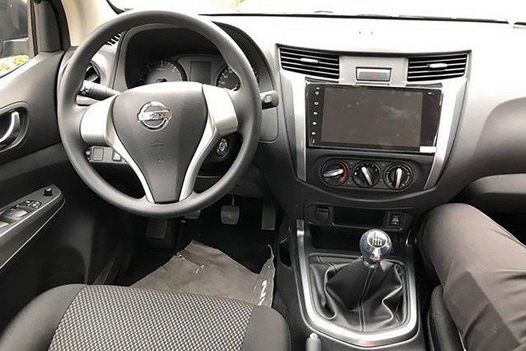 Ảnh chụp táp-lô xe Nissan Terra 2019 bản MT