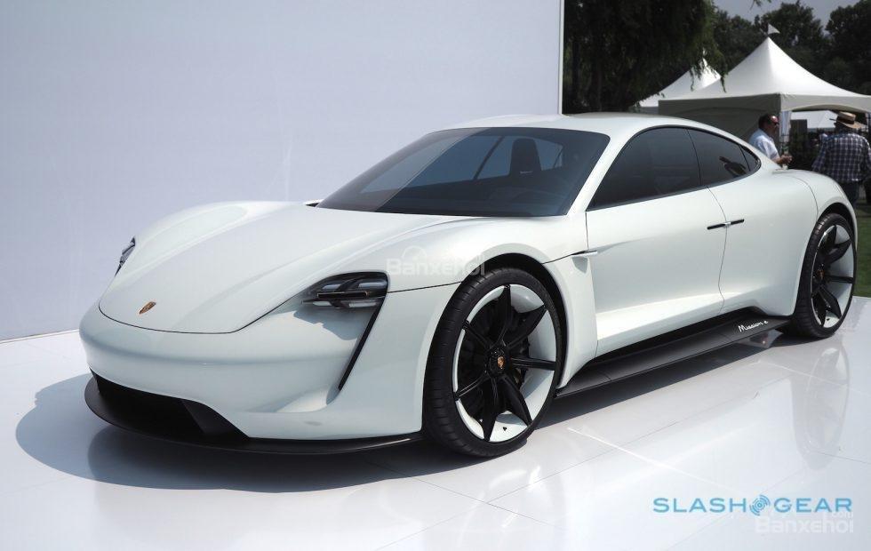 Porsche Taycan hé lộ giá và tên của biến thể đầu bảng - 2