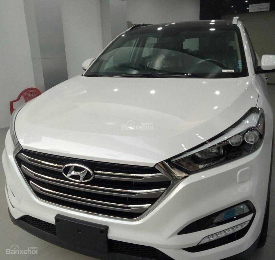 Bán xe Hyundai Tucson 2.0AT đặc biệt xăng 2018, màu trắng giá giao ngay-5