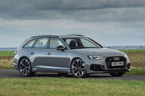 Top 10 mẫu xe đáng mua nhất năm 2018-Audi RS4.