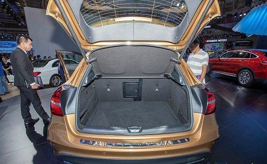 So sánh xe BMW X2 2019 và Mercedes-Benz GLA Class 2019 về cốp 3
