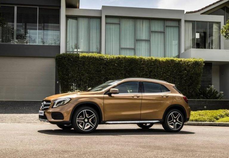 So sánh xe BMW X2 2019 và Mercedes-Benz GLA Class 2019 về thân và đuôi xe 3