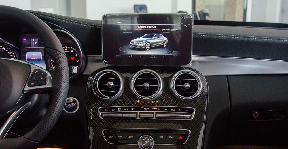 So sánh Mercedes C200 2019 và Toyota Camry 2019 về trang bị tiện nghi 11