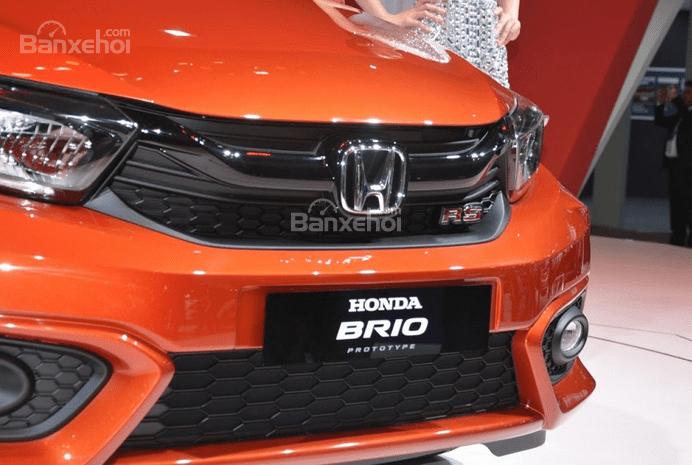 Đầu xe Honda Brio 2019 và VinFast Fadil 2020 - Ảnh 2.