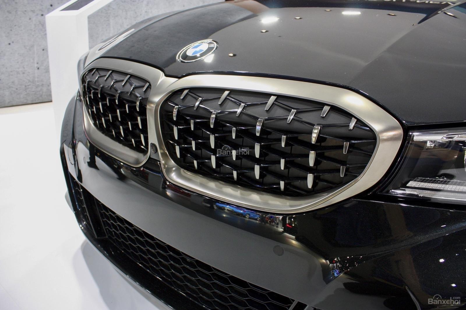 Lưới tản nhiệt BMW M340i 2020
