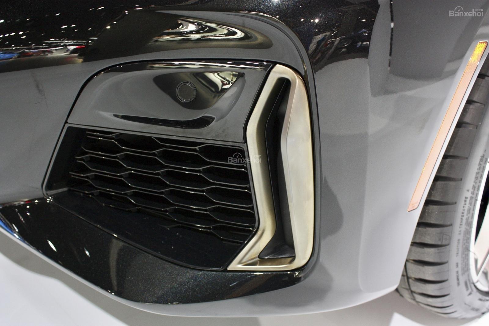 Lưới tản nhiệt dưới BMW M340i 2020
