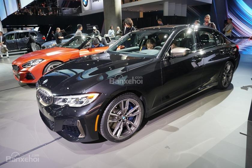 Thân xe BMW M340i 2020