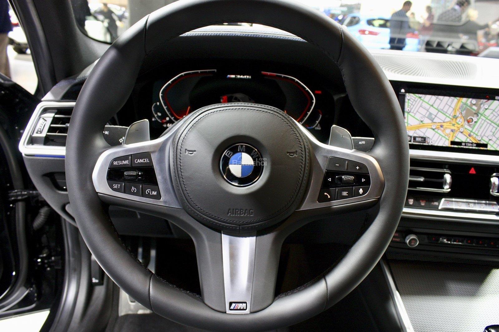 Vô-lăng xe BMW M340i 2020