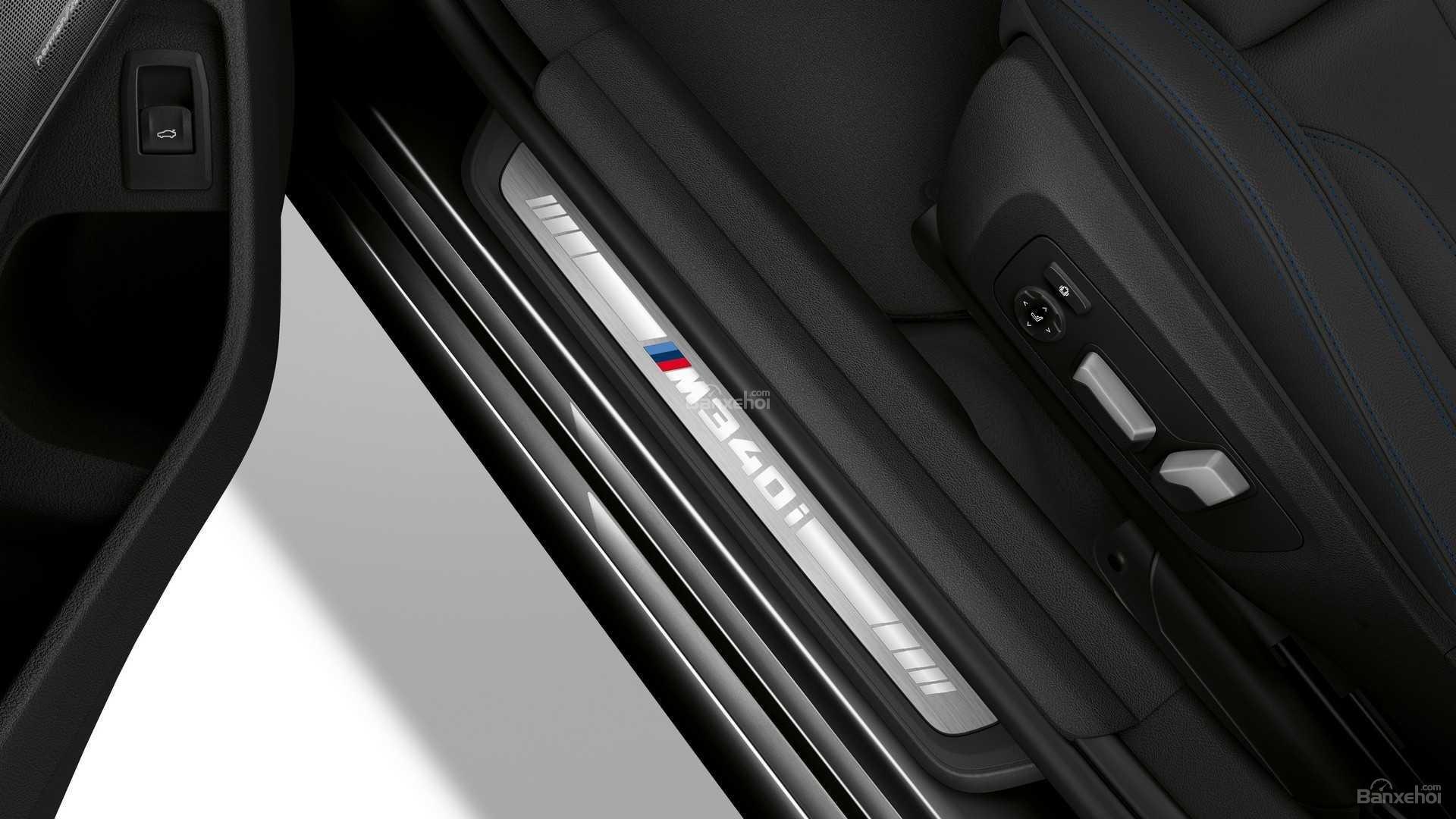 Bậc cửa xe BMW M340i 2020