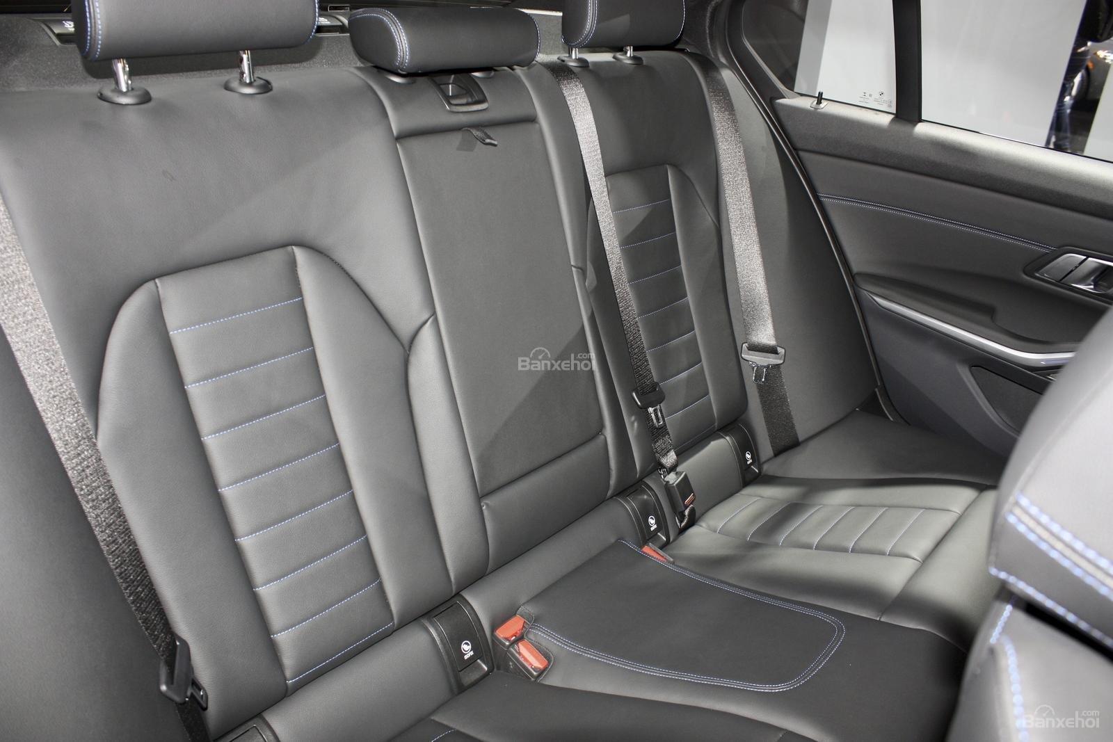 Hàng ghế xe BMW M340i 2020 màu xám