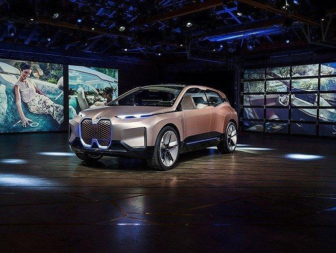 Những mẫu ô tô điện hạng sang nào sẽ bùng nổ trong năm 2019? a8