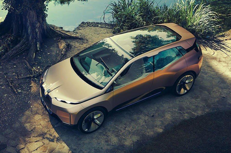 Những mẫu ô tô điện hạng sang nào sẽ bùng nổ trong năm 2019? a9