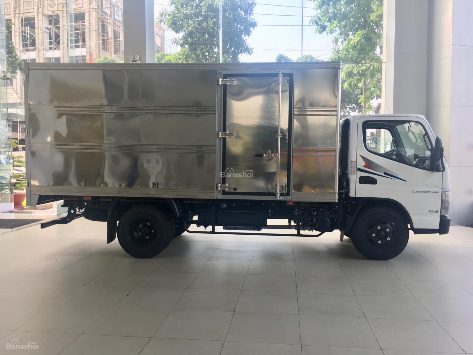 Xe tải Fuso Canter 4.99, tải 2.1 tấn thùng 4.35m, động cơ Mitsubishi E4 (2)