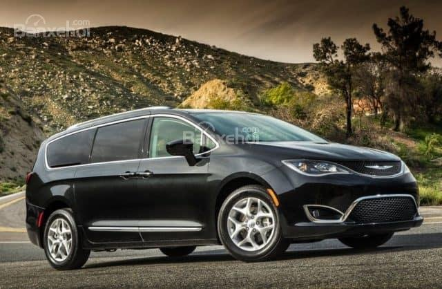 Đầu xe Chrysler Pacifica 2019