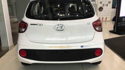 Bán Hyundai Grand i10 đời 2018, màu trắng, xe giao ngay-4