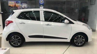 Bán Hyundai Grand i10 đời 2018, màu trắng, xe giao ngay-1