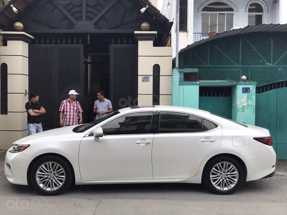 Bán Lexus ES 2.0 năm sản xuất 2016, zin 100% xe mới đi 13.000km màu trắng, xe nhập bao check hãng-3